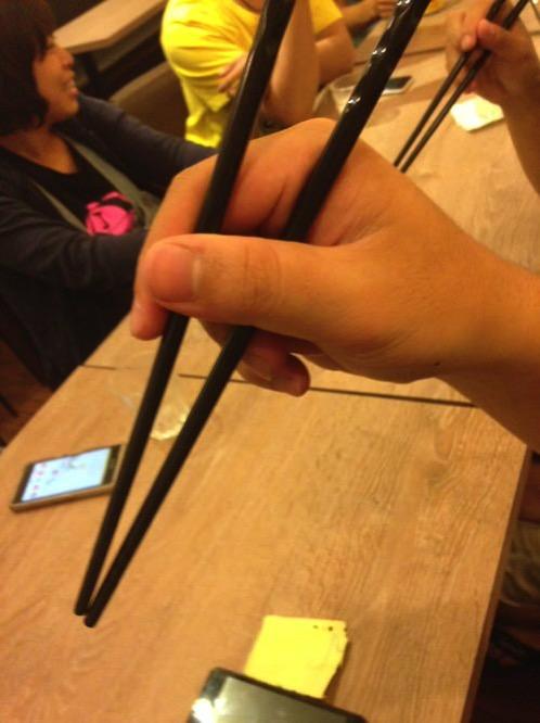 在日本筷子的拿法奇怪的人不能結婚!?