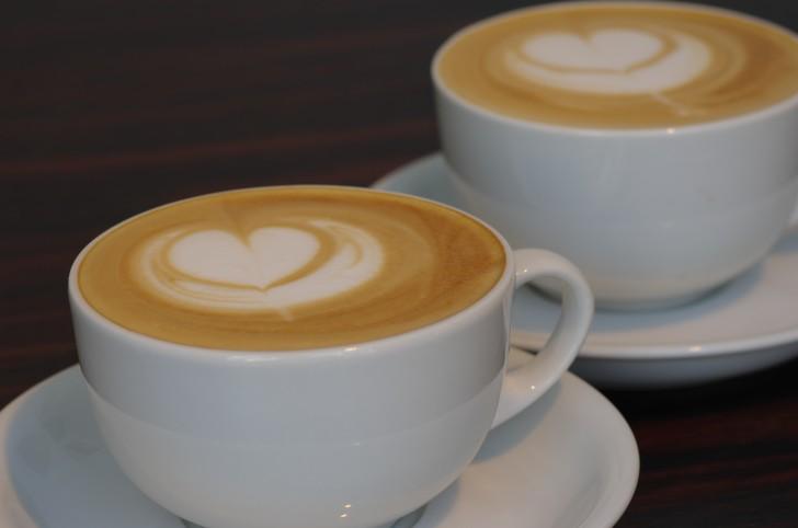 カフェ巡りはいかがですか?